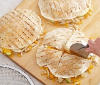 Grilled Chicken Quesadilla with Apple and Chedda